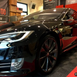 Une TESLA Model S 90 en visite au Detailing Center